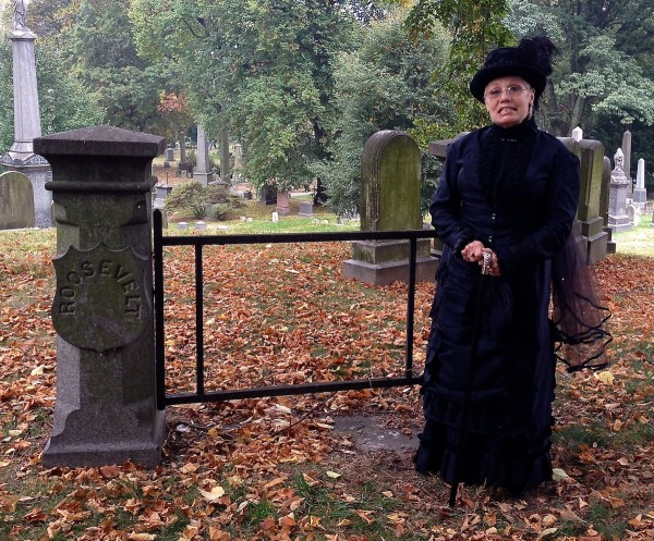 Ruth Edebohls had a busy weekend--here the Widow Roosevelt, there the Widow Howe.