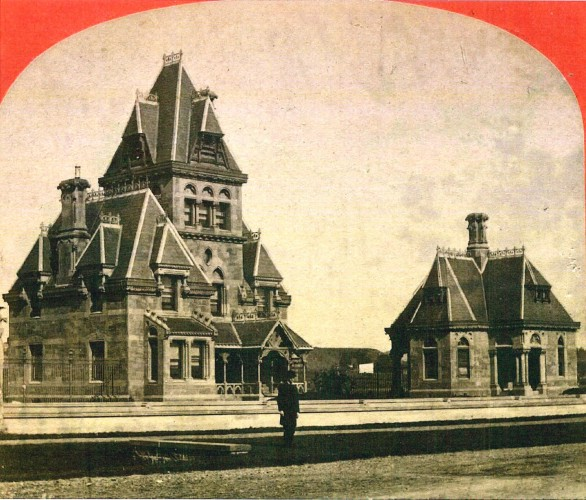 The gatehouses, along what is now Fort Hamilton Parkway, soon after they were built.