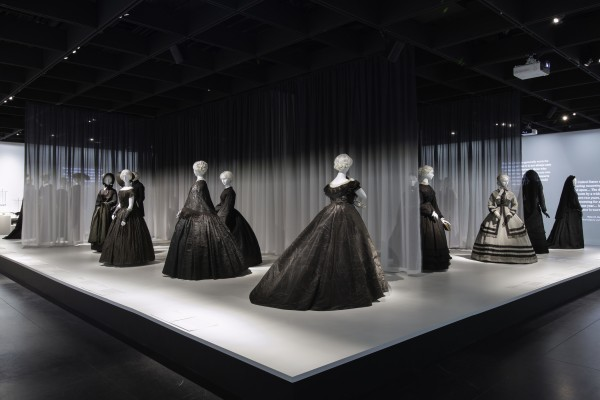 Gallery View Anna Wintour Costume Center, Lizzie and Jonathan Tisch Gallery Image: © The Metropolitan Museum of Art