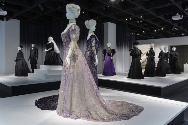 Gallery View Anna Wintour Costume Center, Lizzie and Jonathan Tisch Gallery Image: © The Metropolitan Museum of Art. Note the color of the dress in the foreground and several behind it--a break with the past.