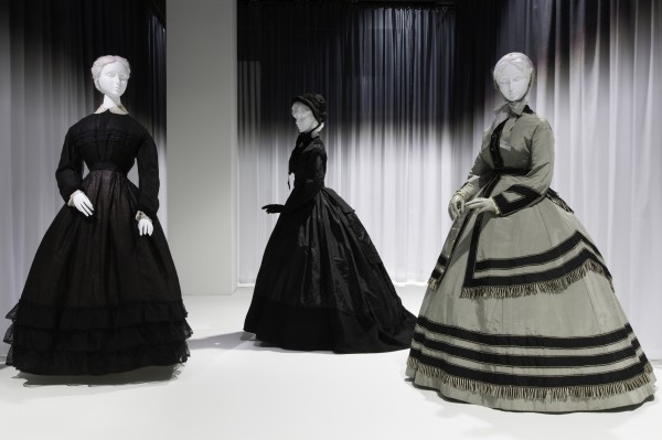 Here's a wonderful use of black and gray. Very fashionable! Anna Wintour Costume Center, Lizzie and Jonathan Tisch Gallery Image: © The Metropolitan Museum of Art