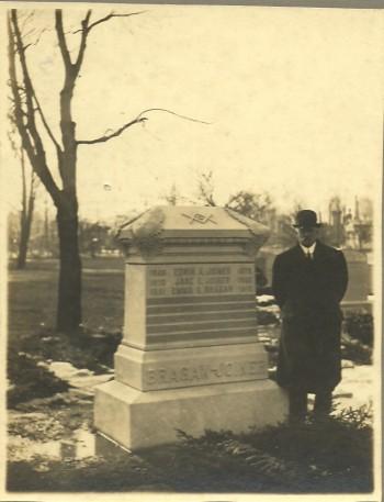 Townsend Bragaw visiting burial lot at Green-Wood