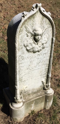 This marble gravestone is the only one in the Piatti Lot. It does not mention either Patrizio or Emilio.