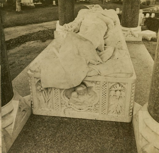From the foot of the John Matthews effigy. Half stereograph, circa 1875.