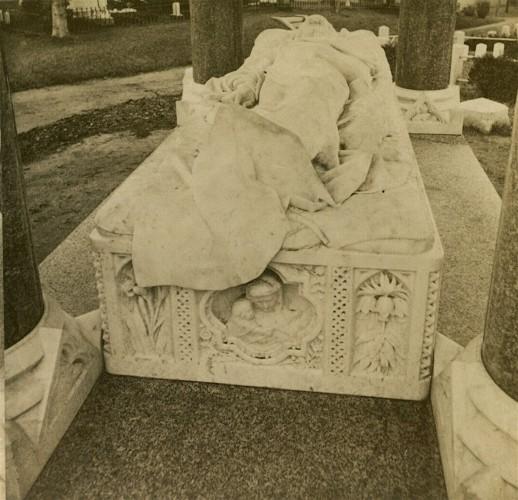 From the foot of the John Matthews effigy. Half stereograph, circa 1875.