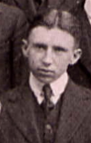 Lloyd Ludwig, as he appeared in the Salmagundi Club's group portrait in the 1918 Colgate College yearbook