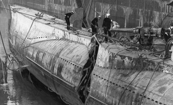 The tear in the side of the S-51, as seen at the Brooklyn Navy Yard's dry dock.