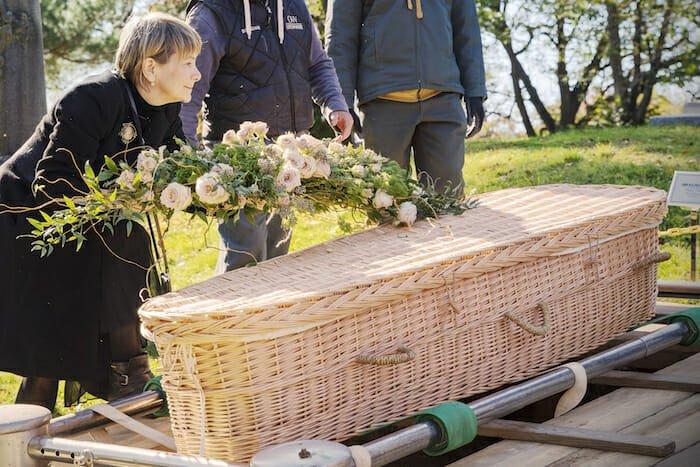 green burial scene