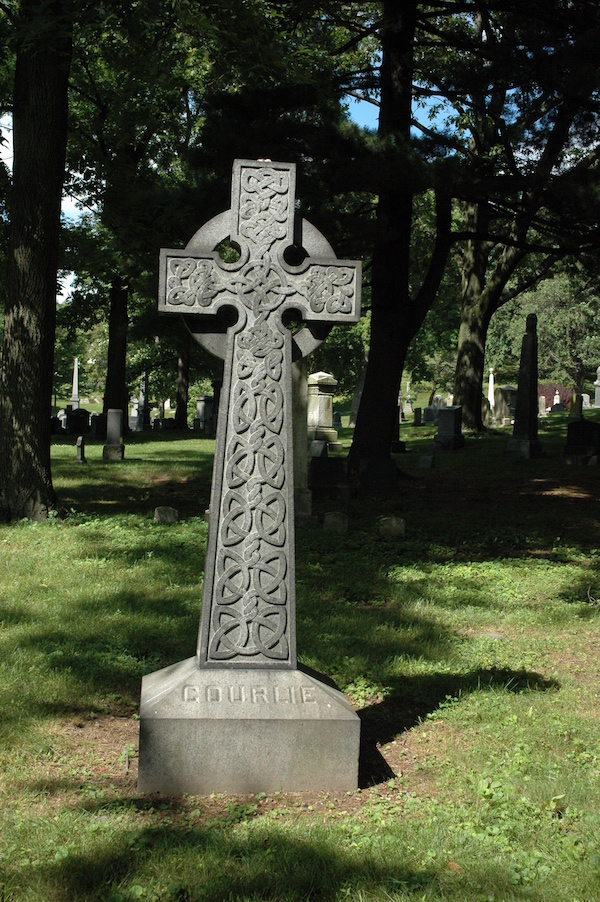 Courlie Monument