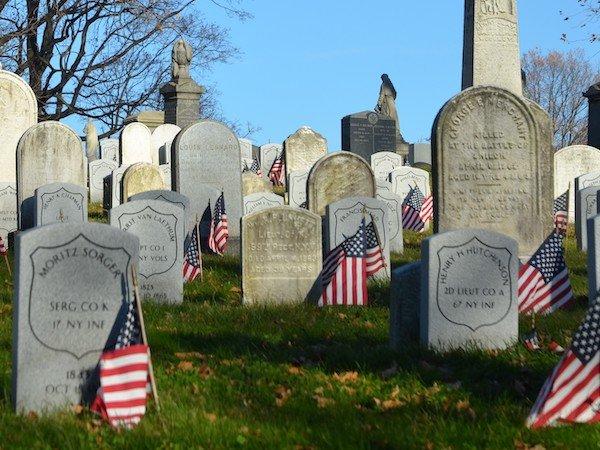 green-wood veteran graves